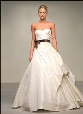 Say yes to your dress a penchant for panache for Vera wang classic wedding dress